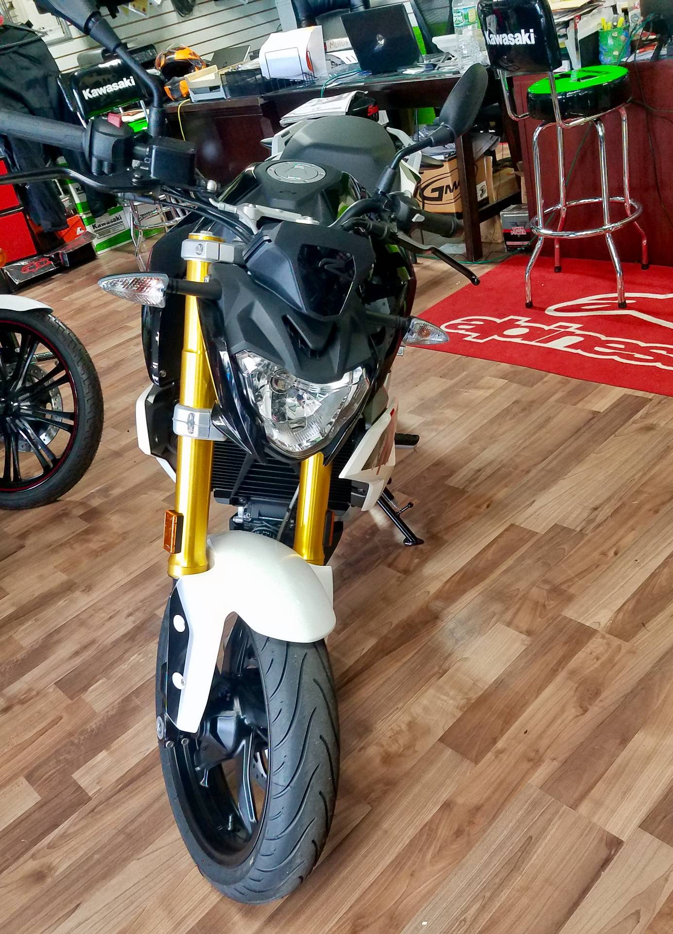 2018 BMW G 310 R in White Plains, New York - Photo 1
