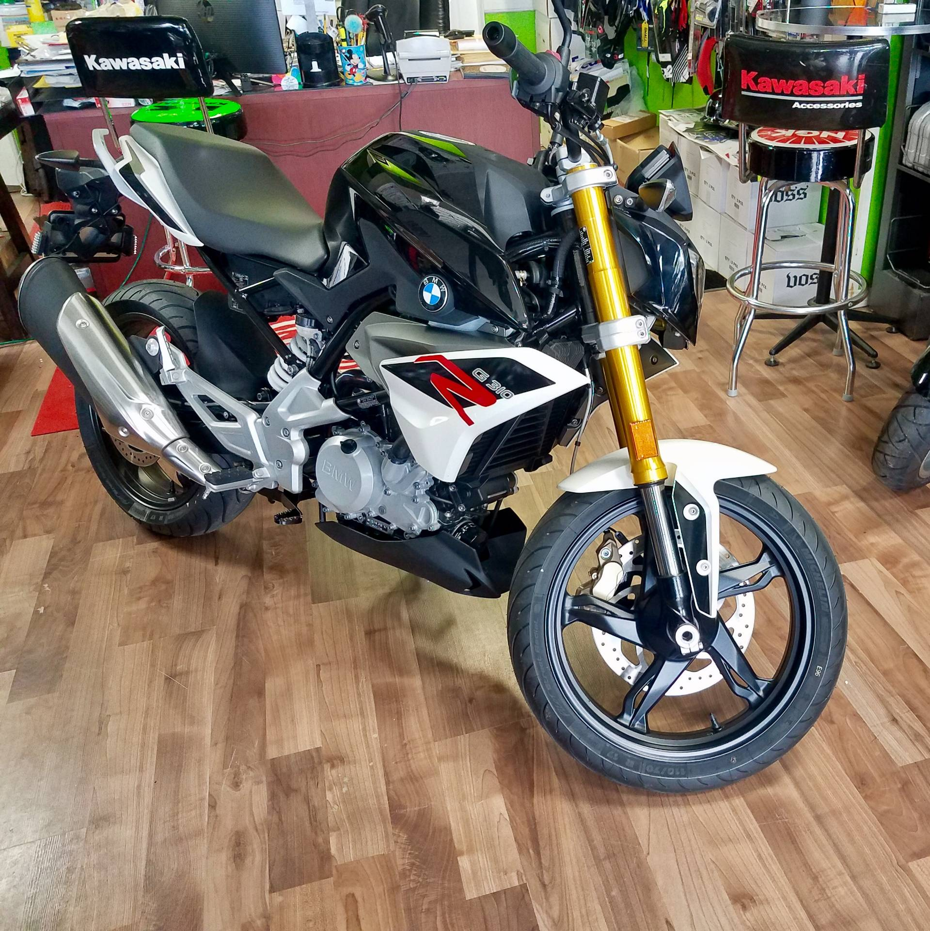 2018 BMW G 310 R in White Plains, New York - Photo 2