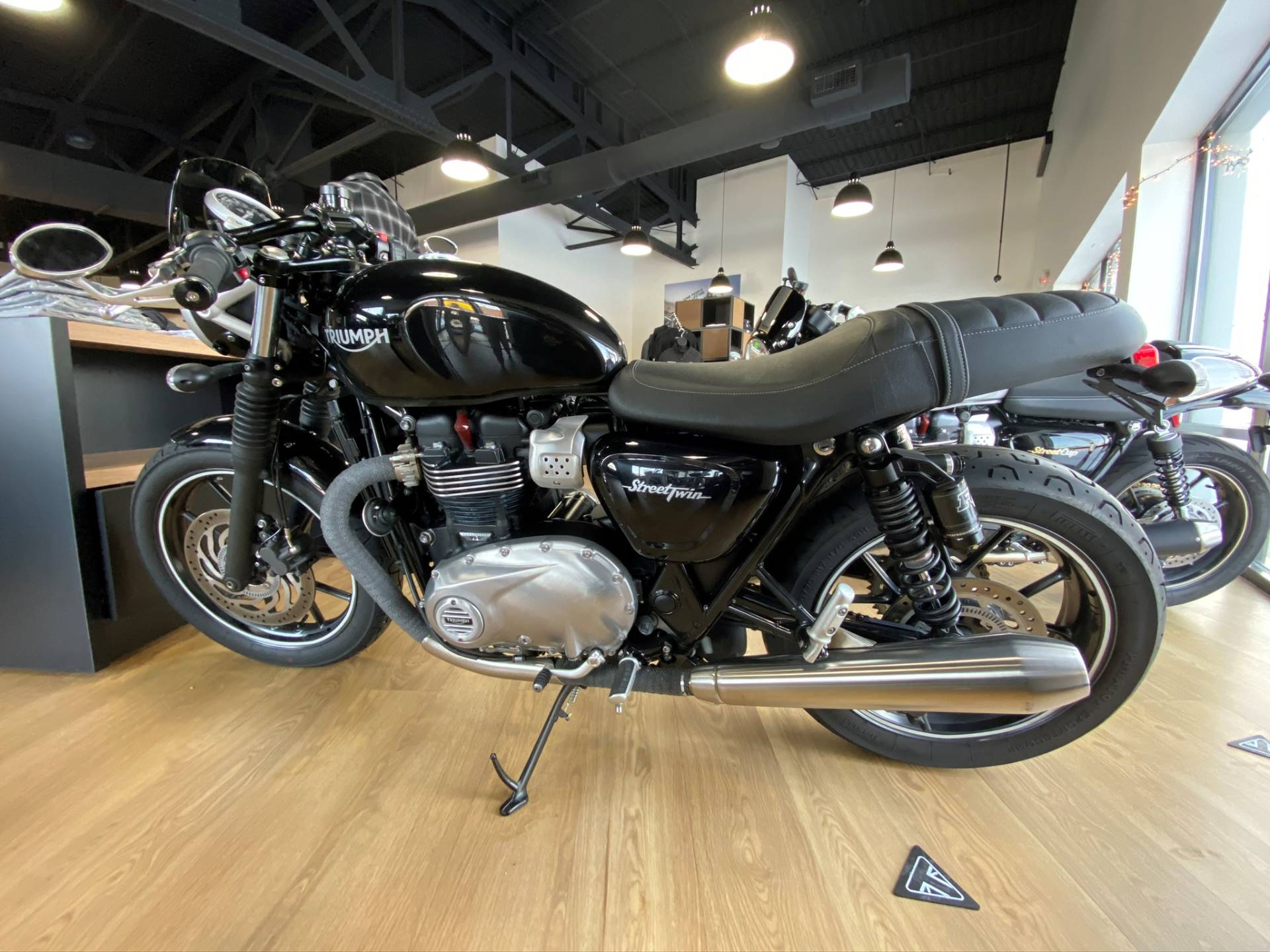 2017 Triumph Street Twin in Cleveland, Ohio - Photo 1