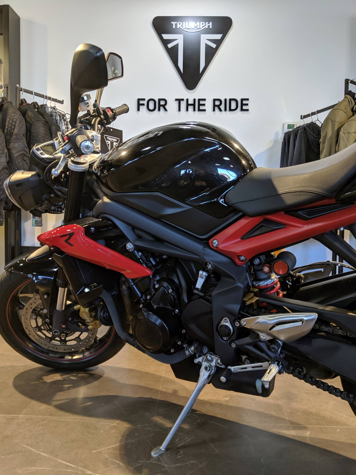 2014 Triumph Street Triple ABS in Cleveland, Ohio - Photo 7
