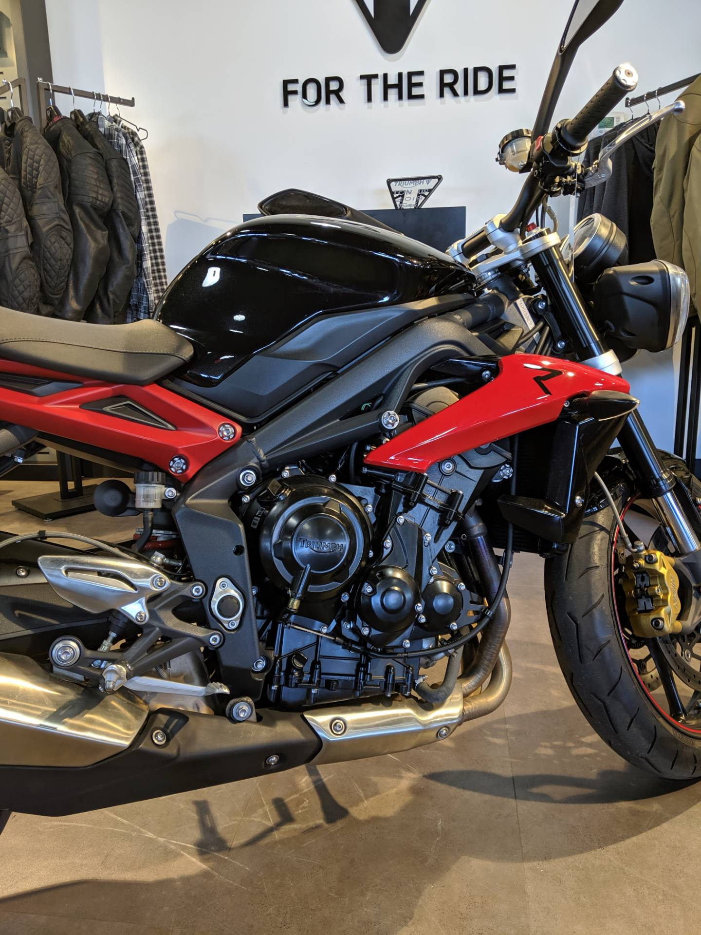 2014 Triumph Street Triple ABS in Cleveland, Ohio - Photo 6
