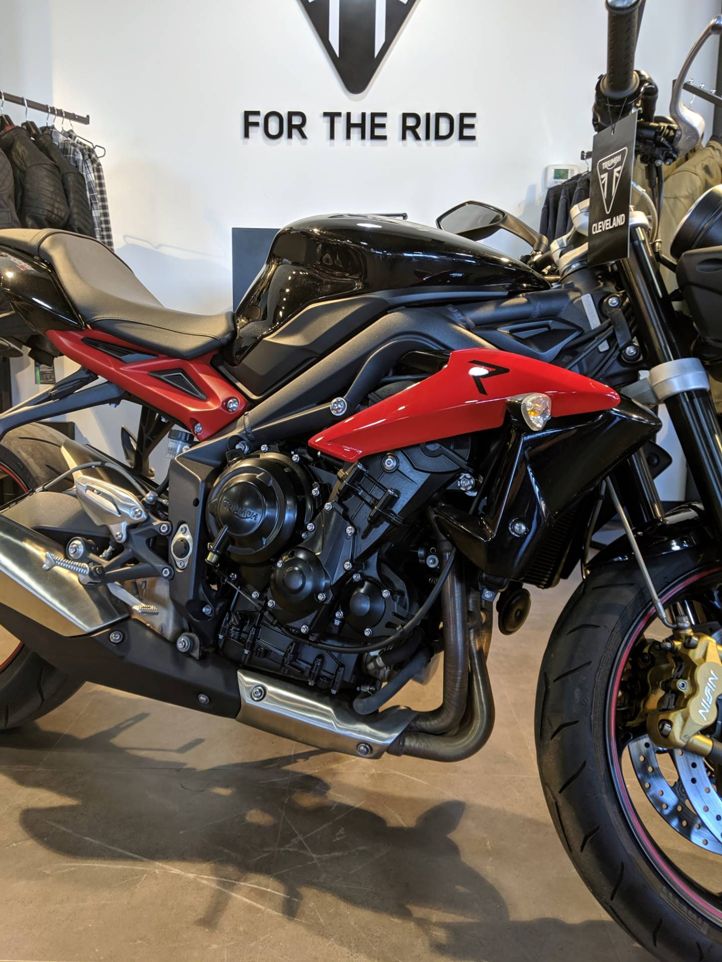 2014 Triumph Street Triple ABS in Cleveland, Ohio - Photo 2