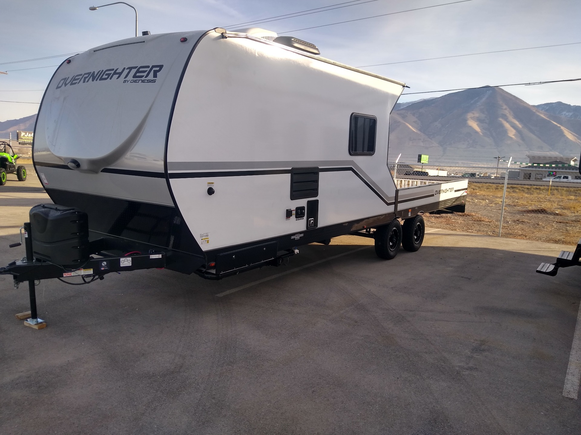 2021 Genesis Supreme OVERNIGHTER - 12-14.6FK in Erda, Utah - Photo 3