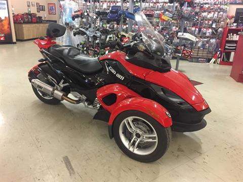 2009 Can-Am Spyder™ GS Roadster with SM5 Transmission (manual) in Saint Joseph, Missouri
