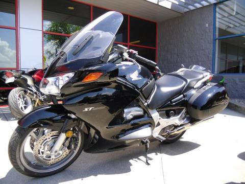 2010 Honda ST1300® in Saint Joseph, Missouri