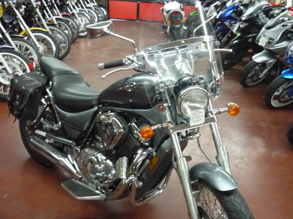 2005 Suzuki Boulevard S50 in Johnson City, Tennessee
