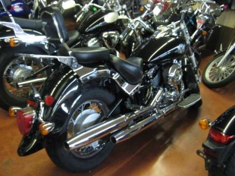 2003 Yamaha V Star Classic in Johnson City, Tennessee - Photo 2