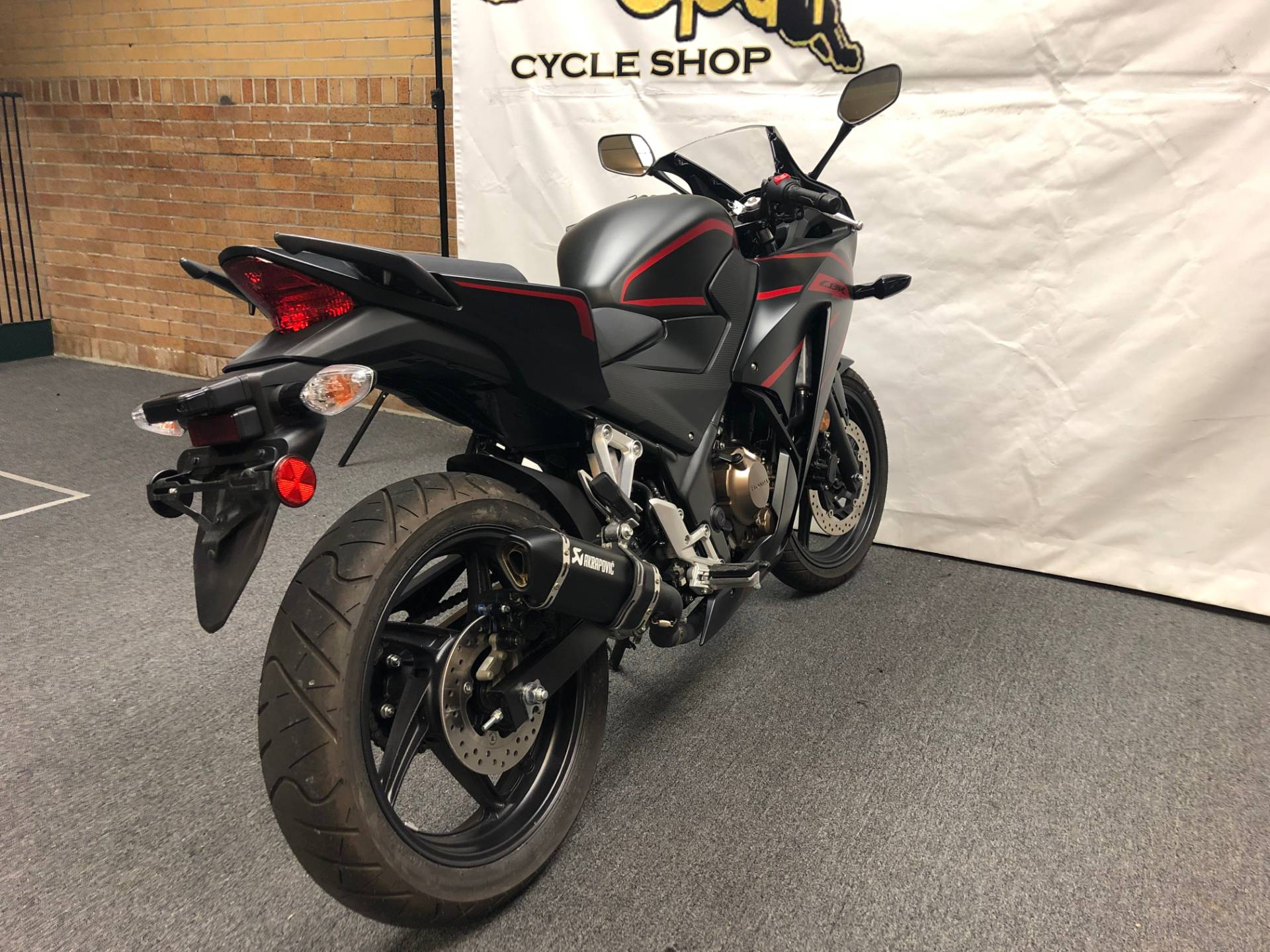 2018 Honda CBR300R in Tarentum, Pennsylvania - Photo 12