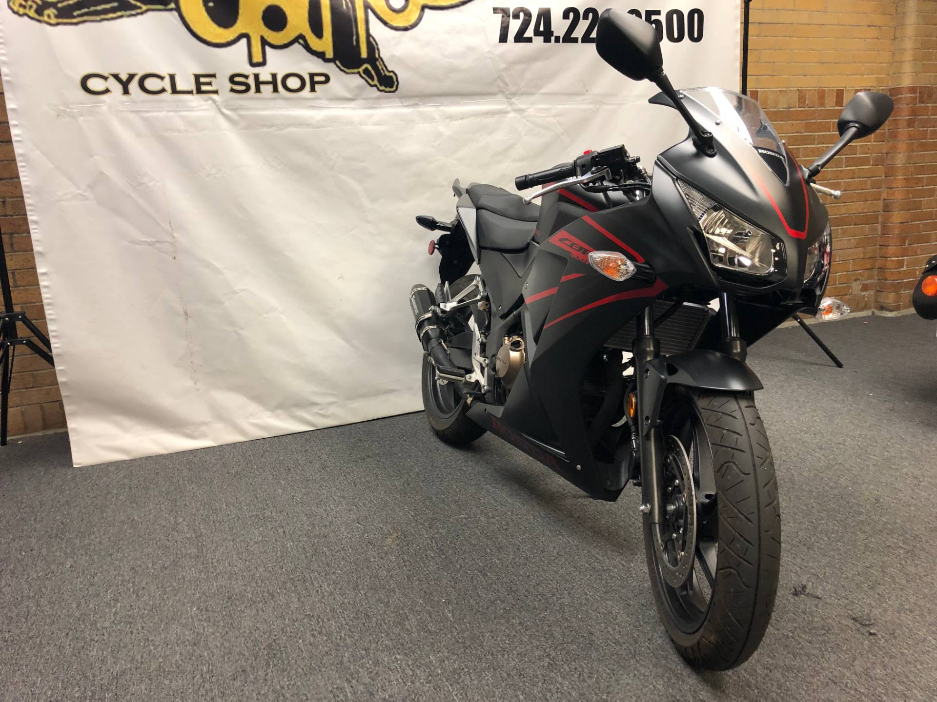 2018 Honda CBR300R in Tarentum, Pennsylvania - Photo 6
