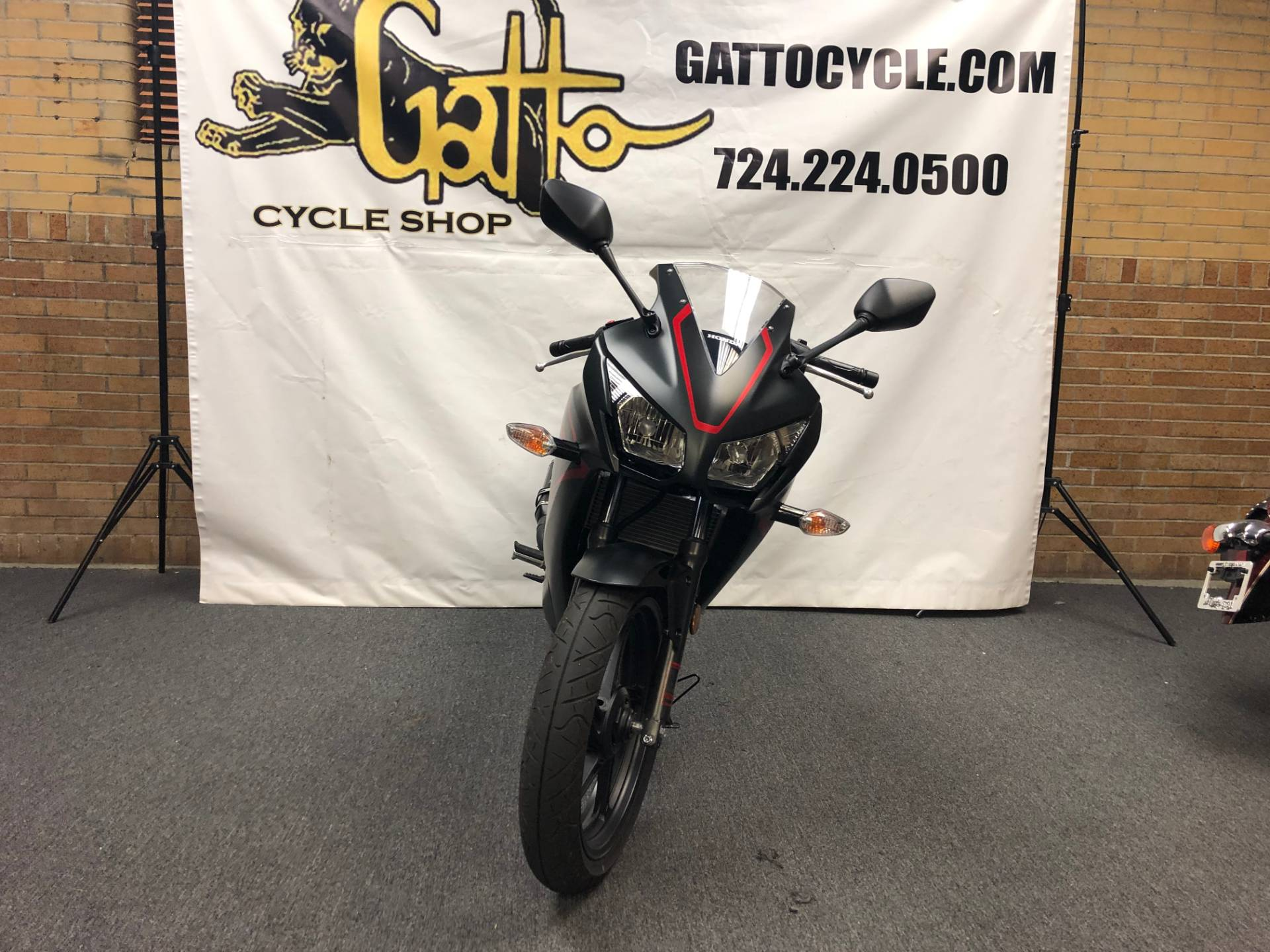 2018 Honda CBR300R in Tarentum, Pennsylvania - Photo 9