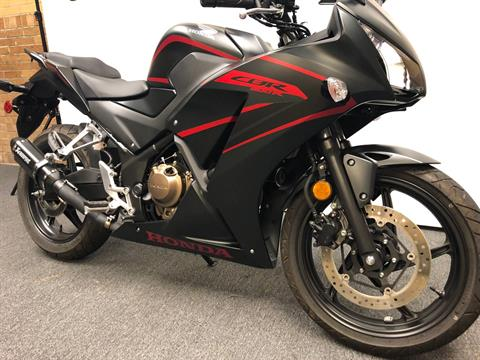 2018 Honda CBR300R in Tarentum, Pennsylvania - Photo 2
