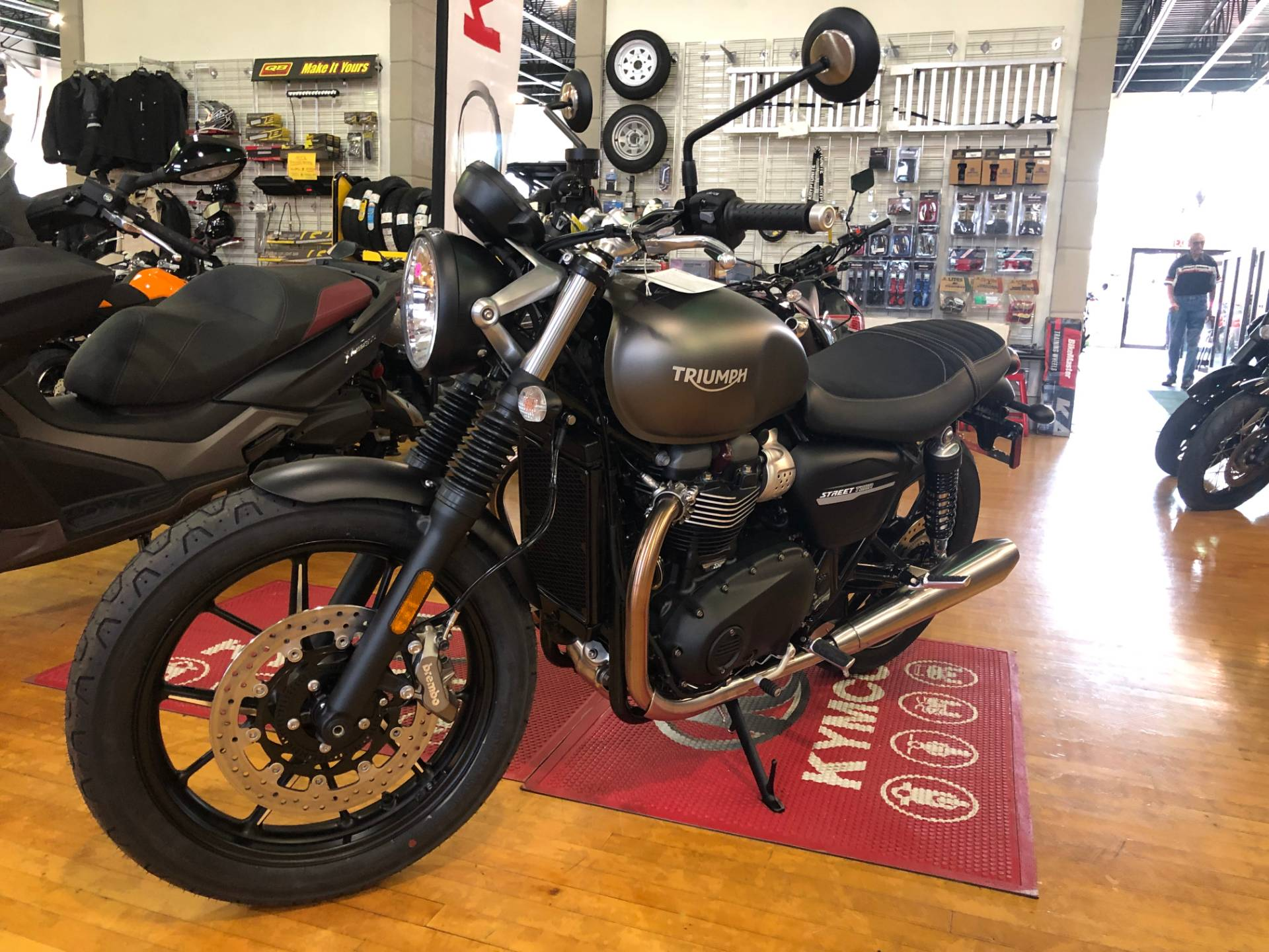 2020 Triumph Street Twin in Tarentum, Pennsylvania - Photo 4