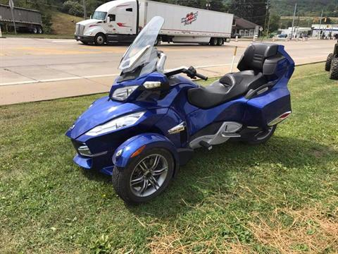 2012 Can-Am Spyder® RT-S SE5 in Kittanning, Pennsylvania