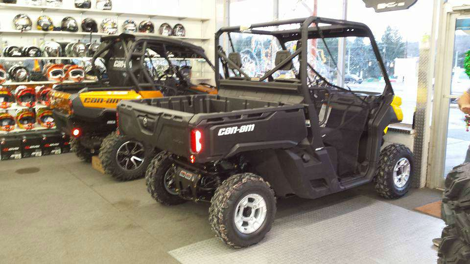 2016 Can-Am Defender DPS HD10 in Kittanning, Pennsylvania