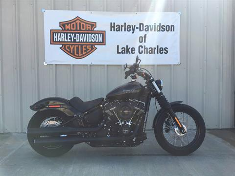 2018 Harley-Davidson Street Bob® 107 in Lake Charles, Louisiana