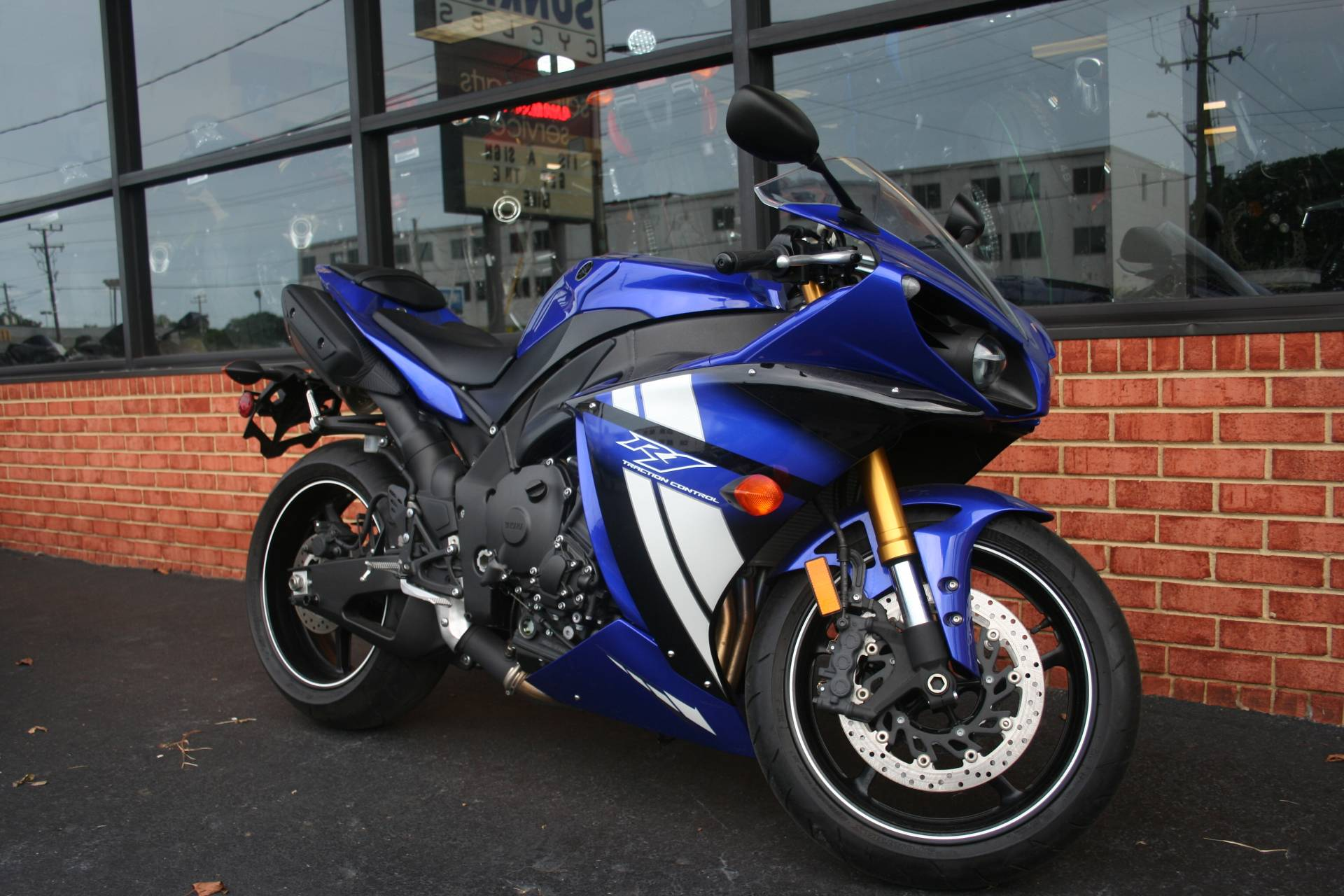 2011 Yamaha YZF-R1 in Norfolk, Virginia - Photo 1