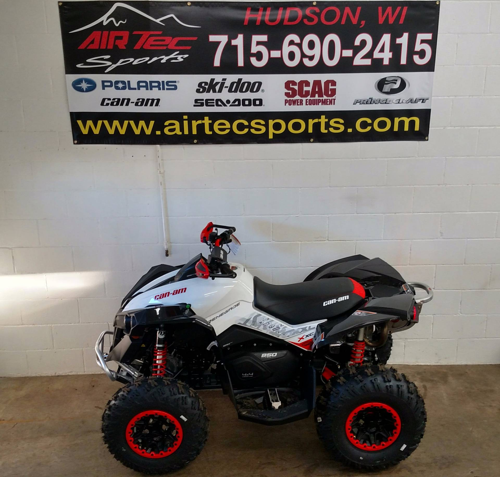 2017 Can-Am Renegade X xc 850 in Hudson, Wisconsin