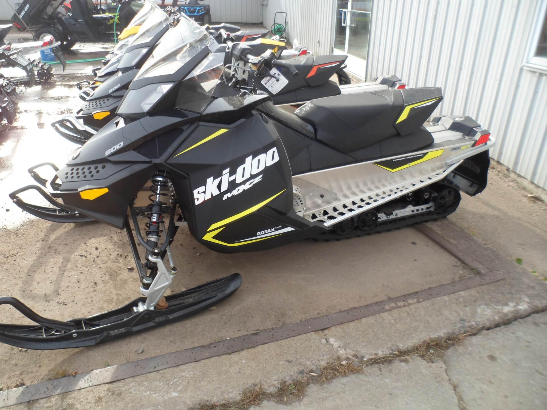 2017 Ski-Doo MXZ Sport 600 Carb in Rice Lake, Wisconsin