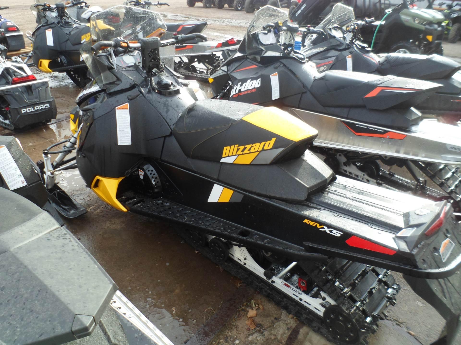 2017 Ski-Doo MXZ Blizzard 600 H.O. E-TEC in Rice Lake, Wisconsin