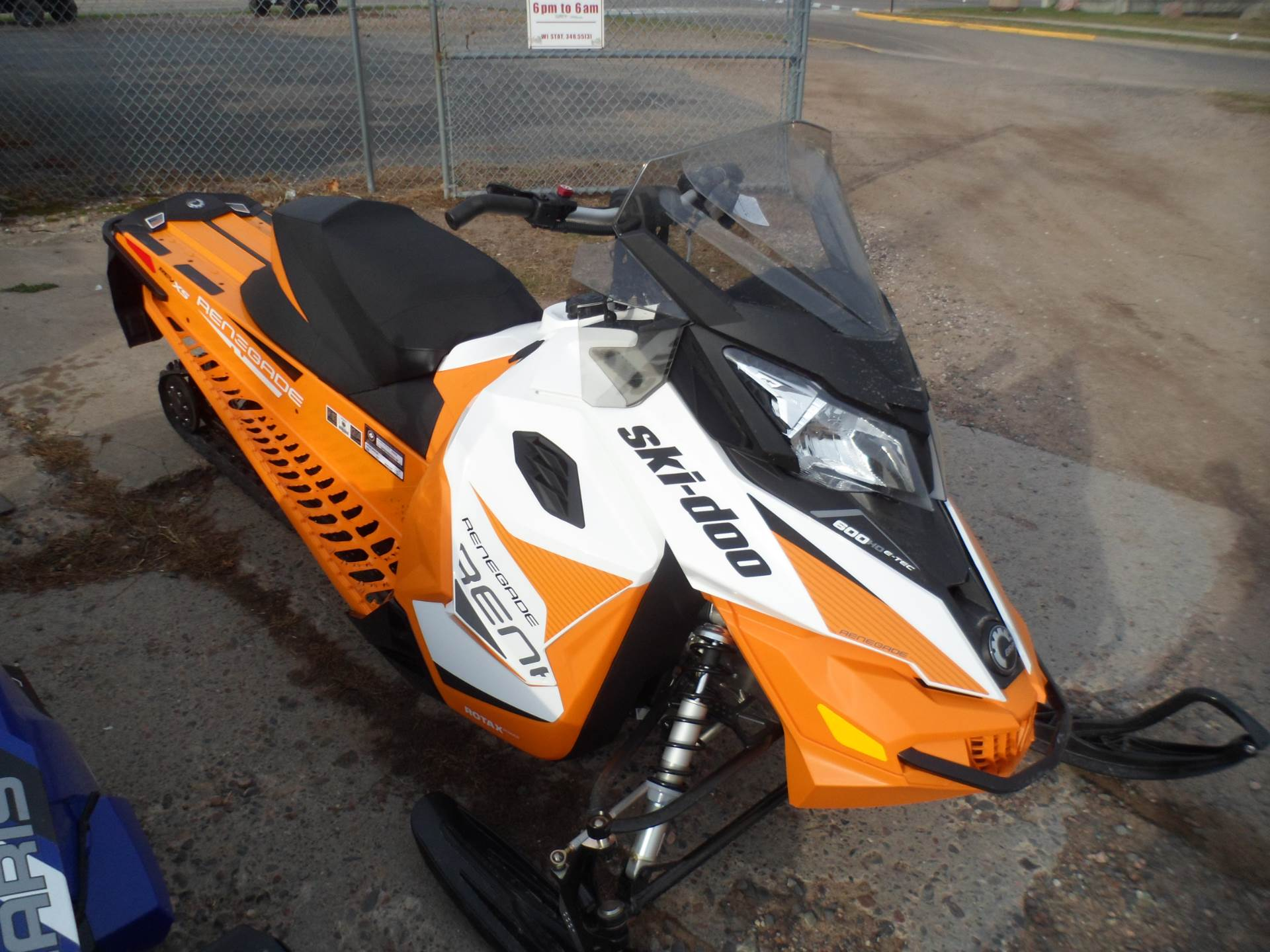 2017 Ski-Doo Renegade Adrenaline 600 H.O. E-TEC E.S. in Rice Lake, Wisconsin