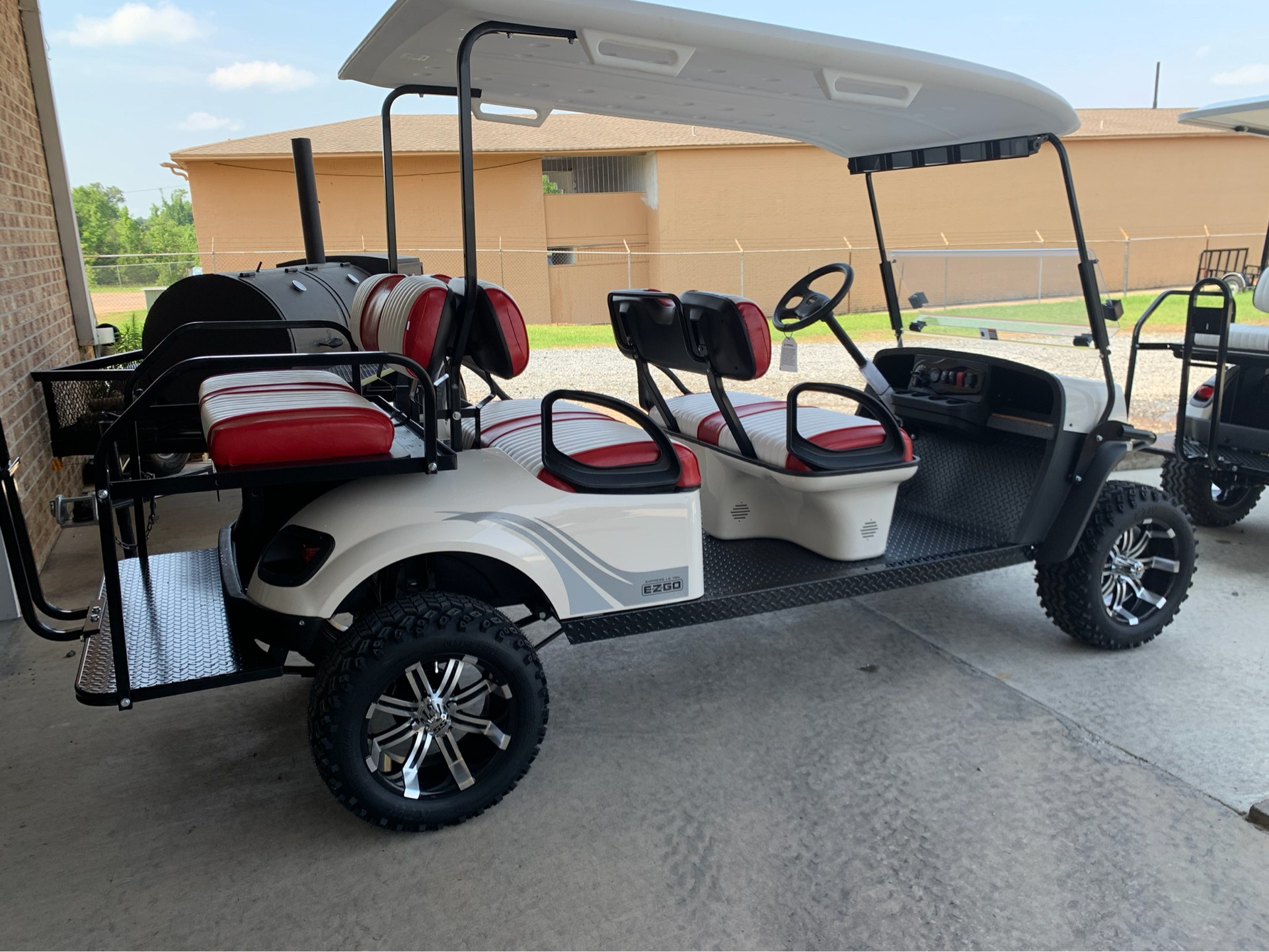 2019 E-Z-Go Express L6 Electric in Marshall, Texas - Photo 5