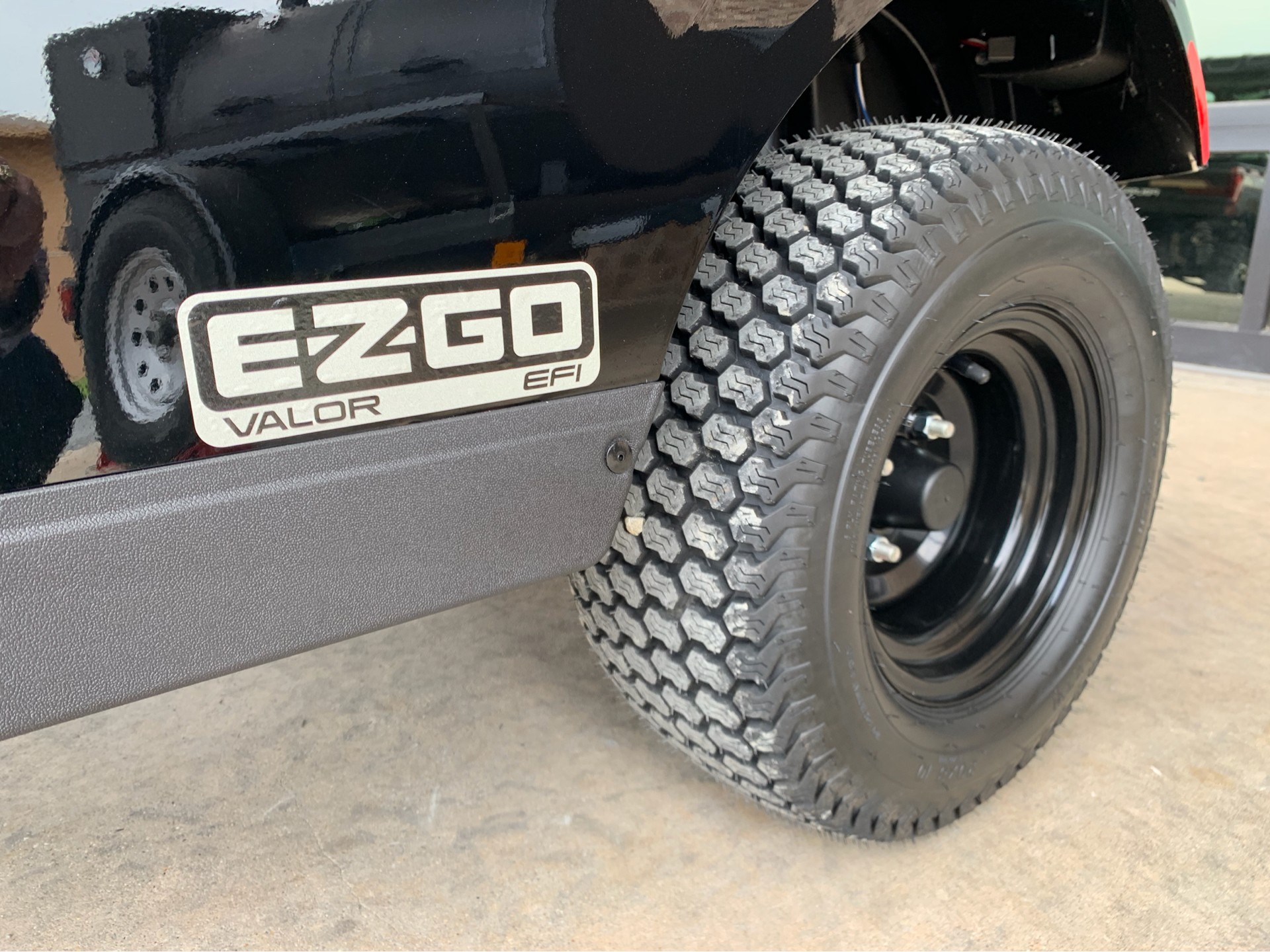 2020 E-Z-GO TXT Valor Gasoline in Marshall, Texas - Photo 3