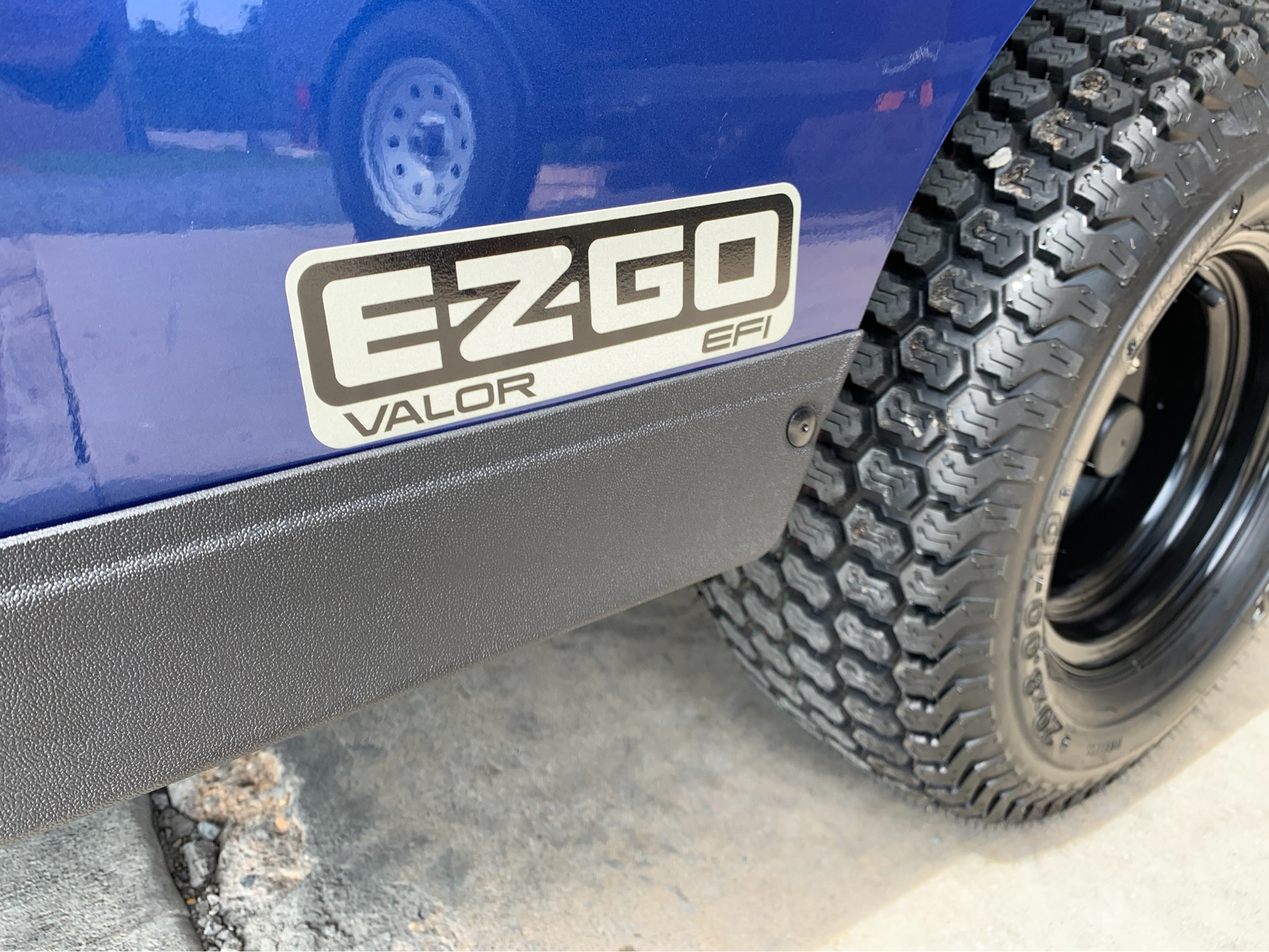 2019 E-Z-Go TXT Valor Gasoline in Marshall, Texas - Photo 3
