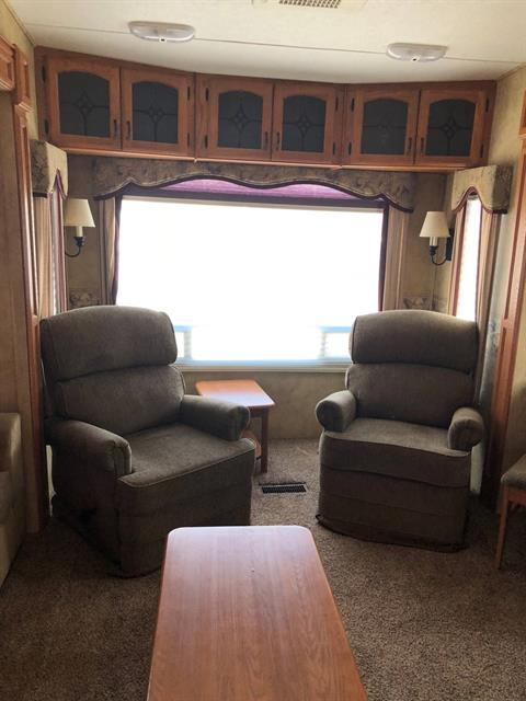 2009 KEYSTONE RV Montana in Safford, Arizona - Photo 4