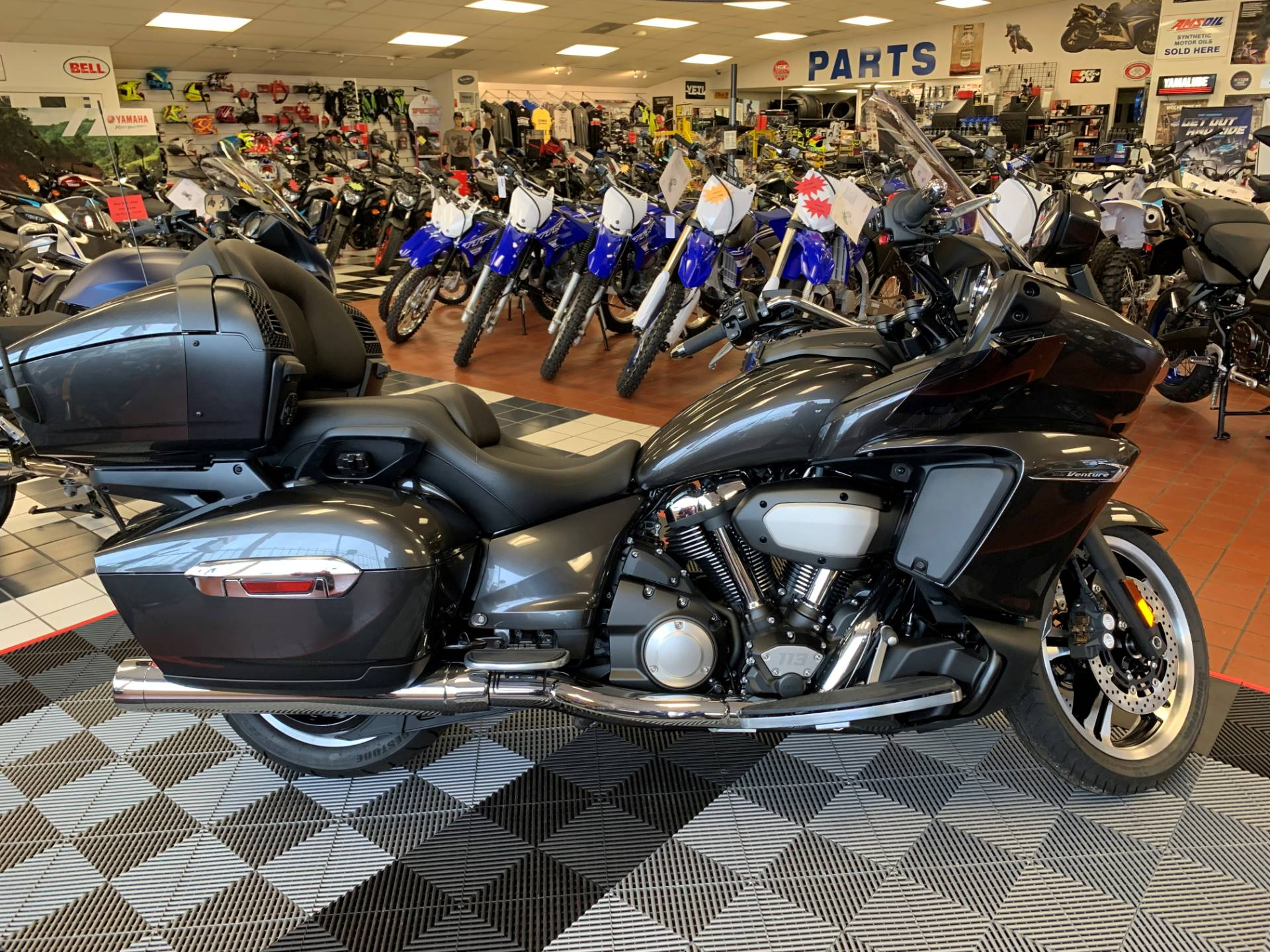 2018 Yamaha Star Venture in Tulsa, Oklahoma - Photo 1