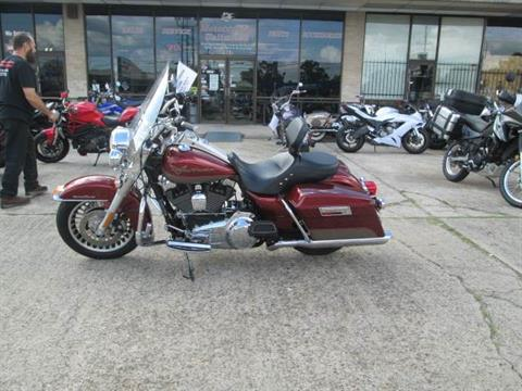 2009 Harley-Davidson Road King® Classic in Houston, Texas - Photo 3