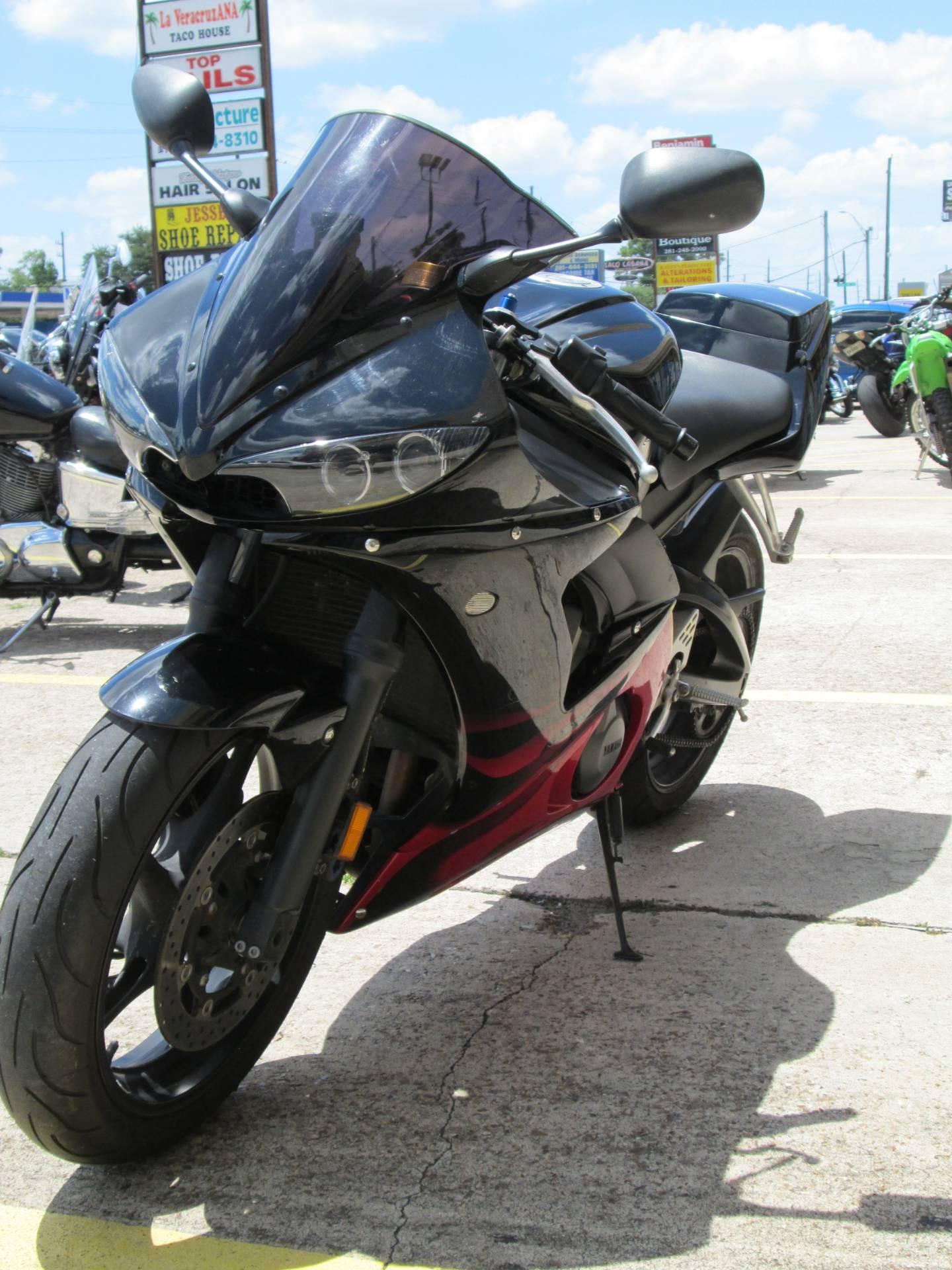 2003 Yamaha YZF-R6 4