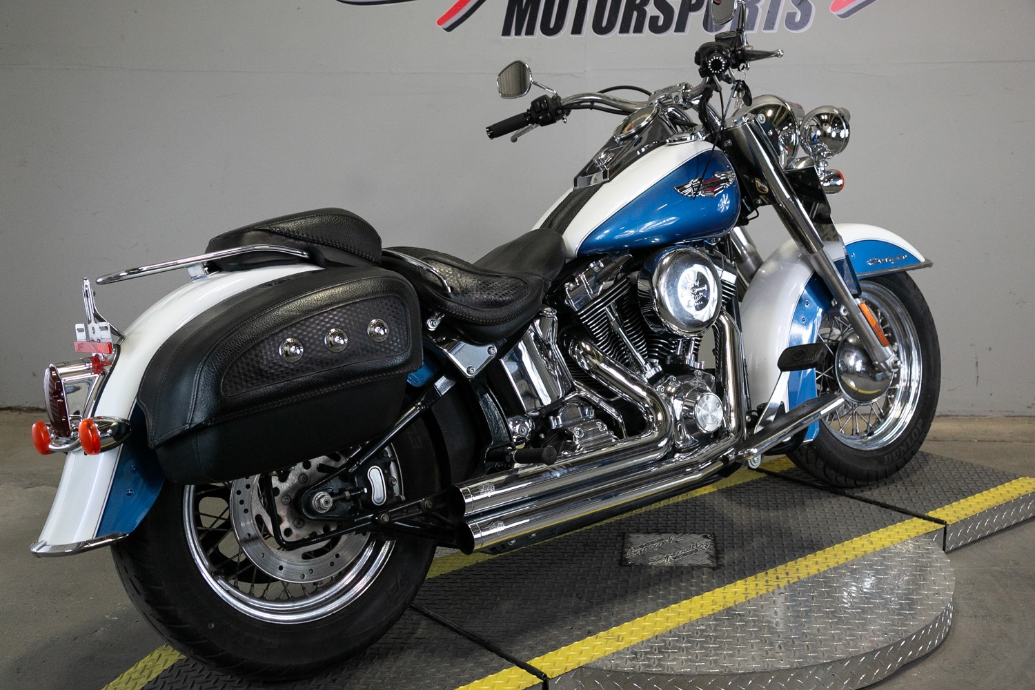 2006 Harley-Davidson Softail® Deluxe in Sacramento, California - Photo 2