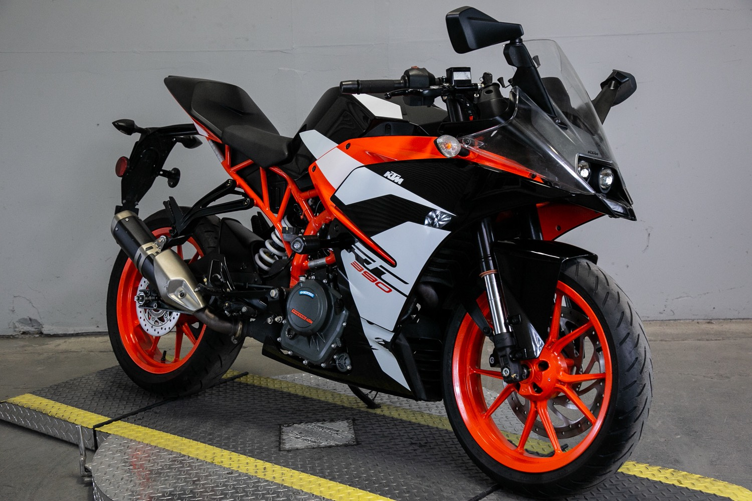 2018 KTM RC 390 in Sacramento, California - Photo 6
