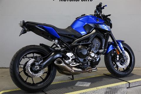 2016 Yamaha FZ-09 in Sacramento, California - Photo 2