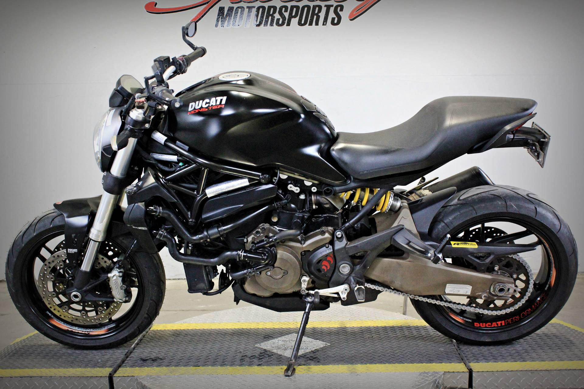 2015 Ducati Monster 821 Dark in Sacramento, California - Photo 4