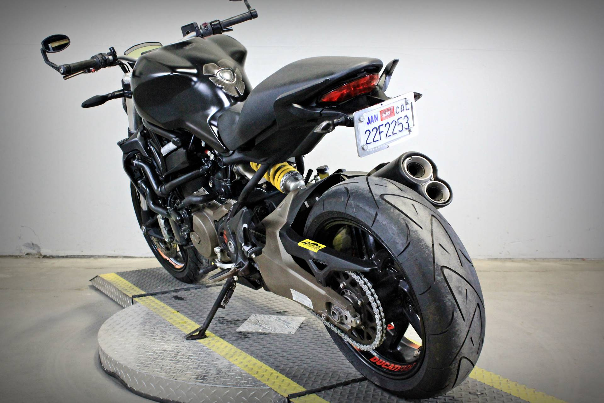 2015 Ducati Monster 821 Dark in Sacramento, California - Photo 5