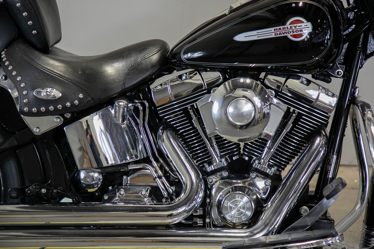 2004 Harley-Davidson FLSTC/FLSTCI Heritage Softail® Classic in Sacramento, California - Photo 8