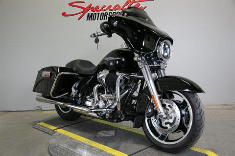 2011 Harley-Davidson Street Glide® in Sacramento, California - Photo 6