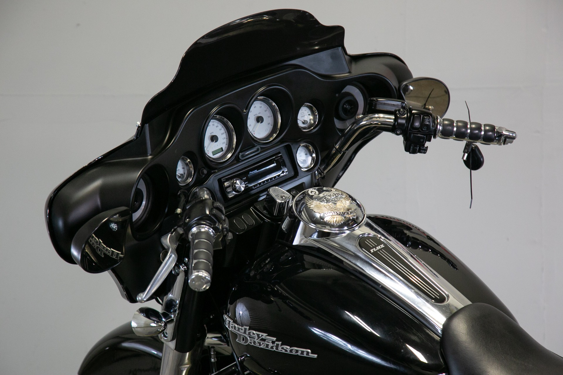 2011 Harley-Davidson Street Glide® in Sacramento, California - Photo 12