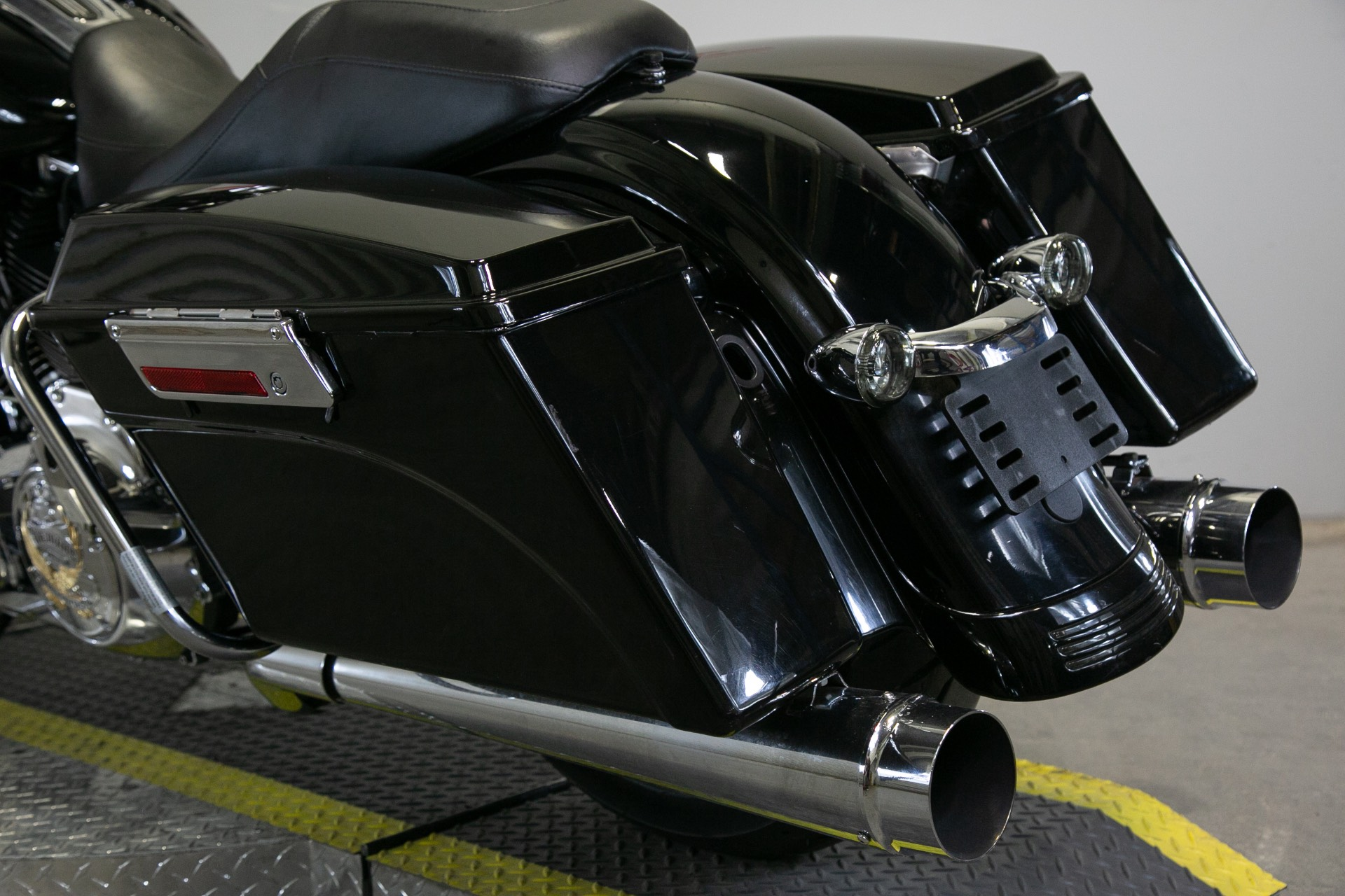2011 Harley-Davidson Street Glide® in Sacramento, California - Photo 13