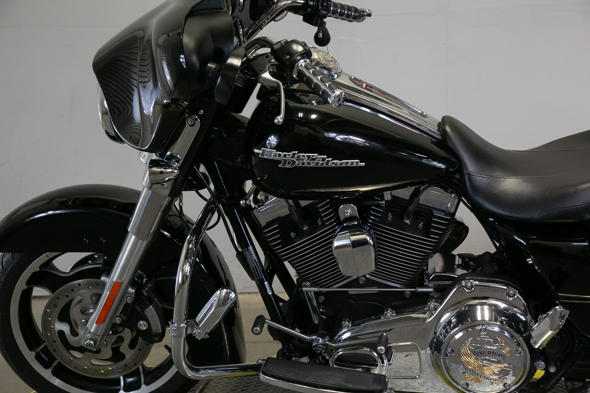 2011 Harley-Davidson Street Glide® in Sacramento, California - Photo 15