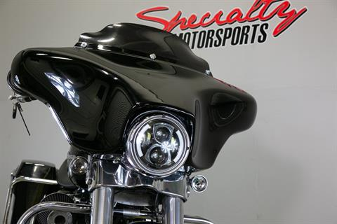 2011 Harley-Davidson Street Glide® in Sacramento, California - Photo 20