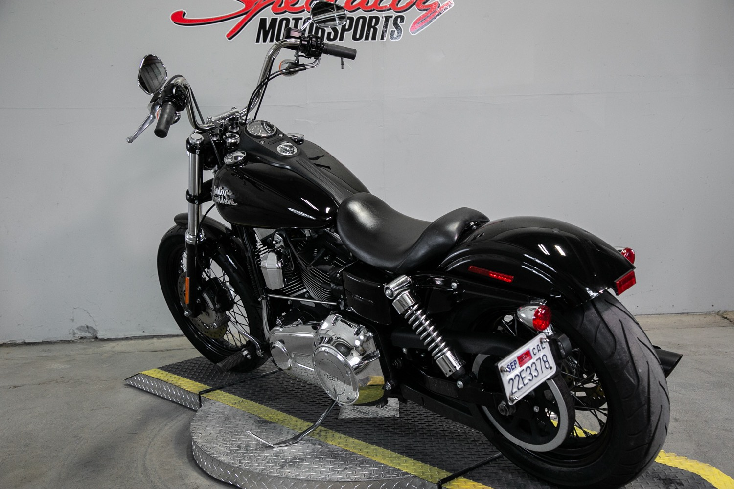 2014 Harley-Davidson Dyna® Street Bob® in Sacramento, California - Photo 3