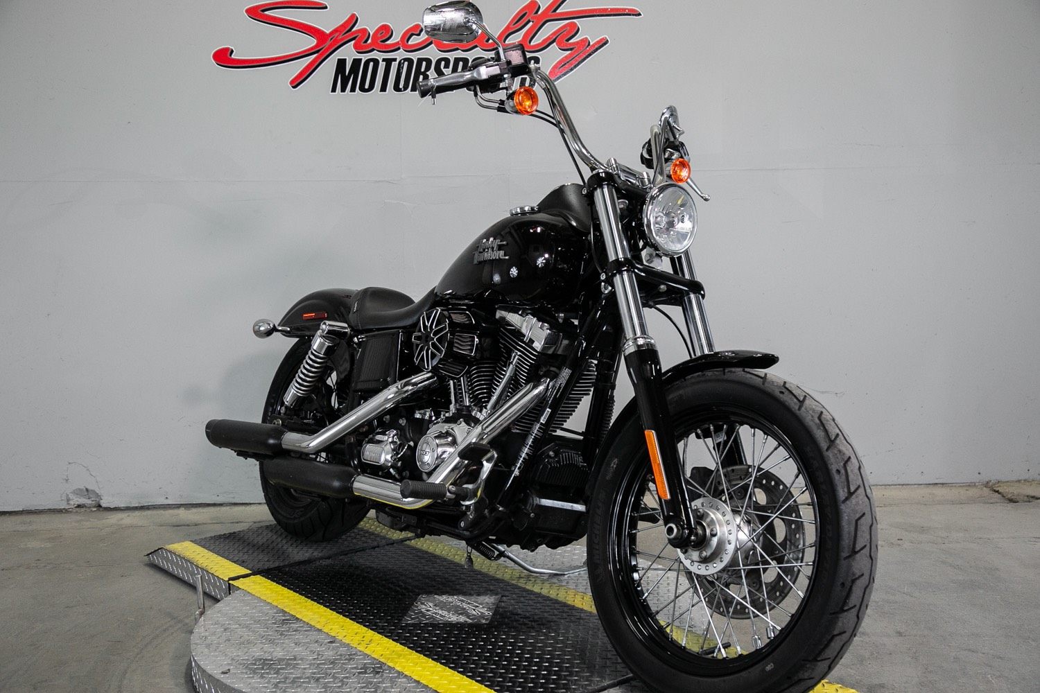 2014 Harley-Davidson Dyna® Street Bob® in Sacramento, California - Photo 6