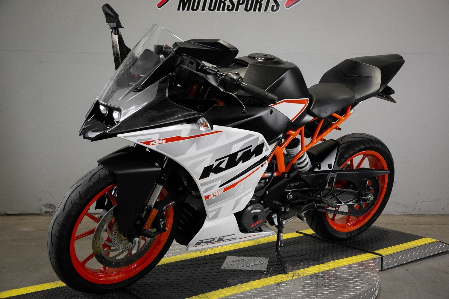 2016 KTM RC 390 in Sacramento, California - Photo 5