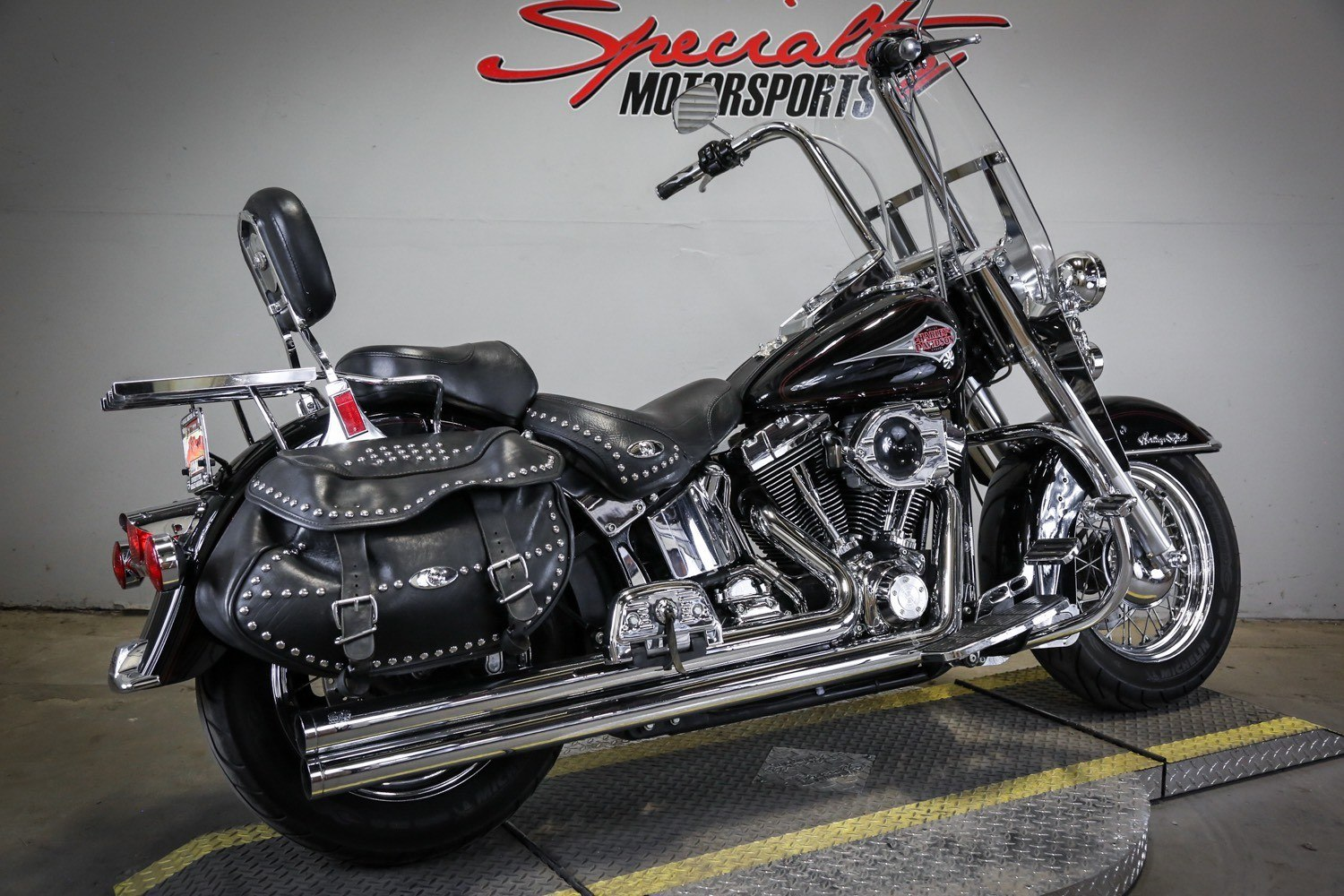 2000 Harley-Davidson FLSTC Heritage Softail® Classic in Sacramento, California - Photo 2