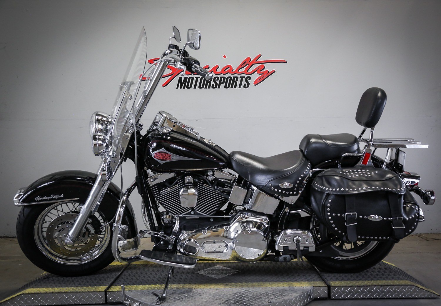 2000 Harley-Davidson FLSTC Heritage Softail® Classic in Sacramento, California - Photo 4