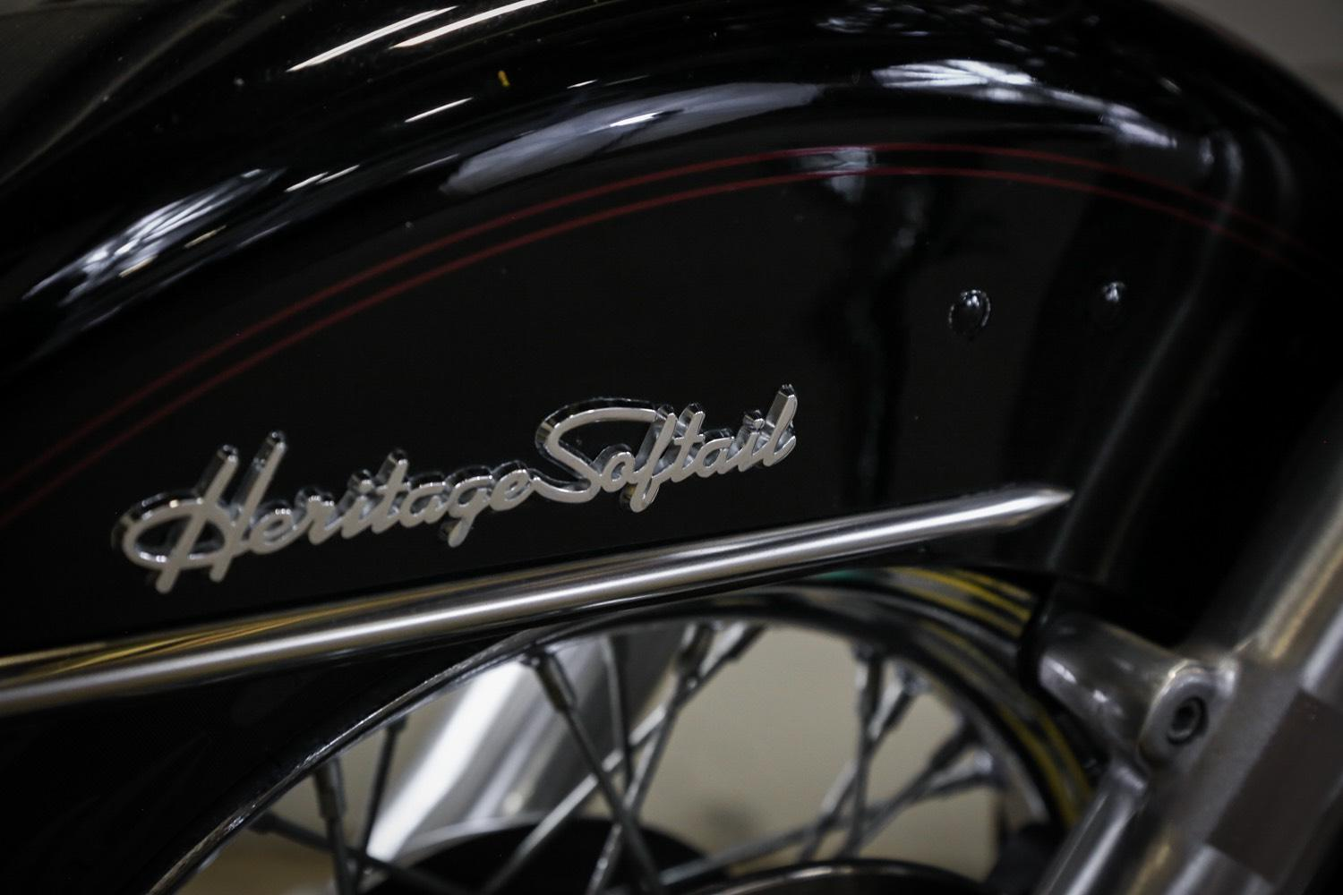 2000 Harley-Davidson FLSTC Heritage Softail® Classic in Sacramento, California - Photo 9