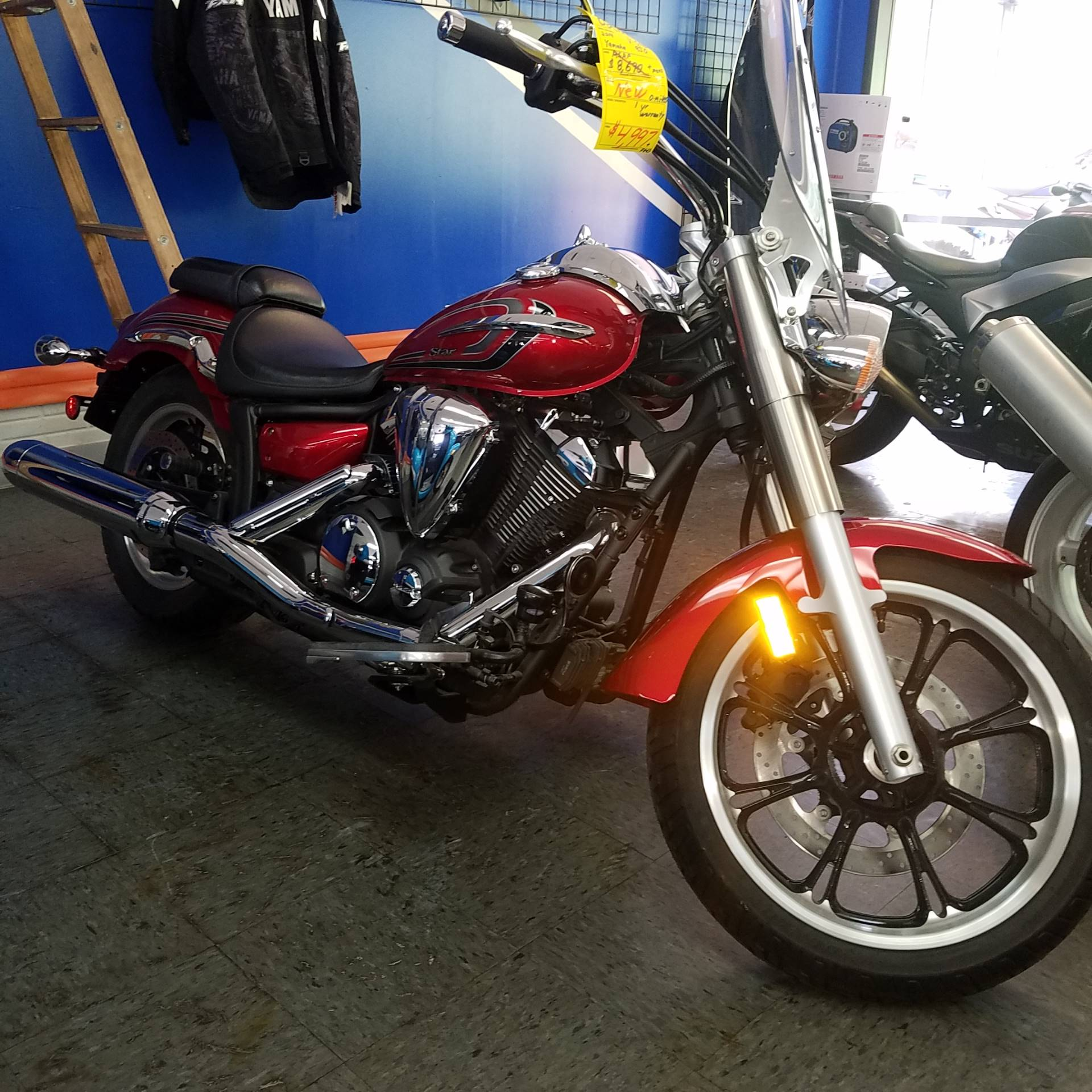 2014 Yamaha V Star 950 in Moline, Illinois - Photo 2