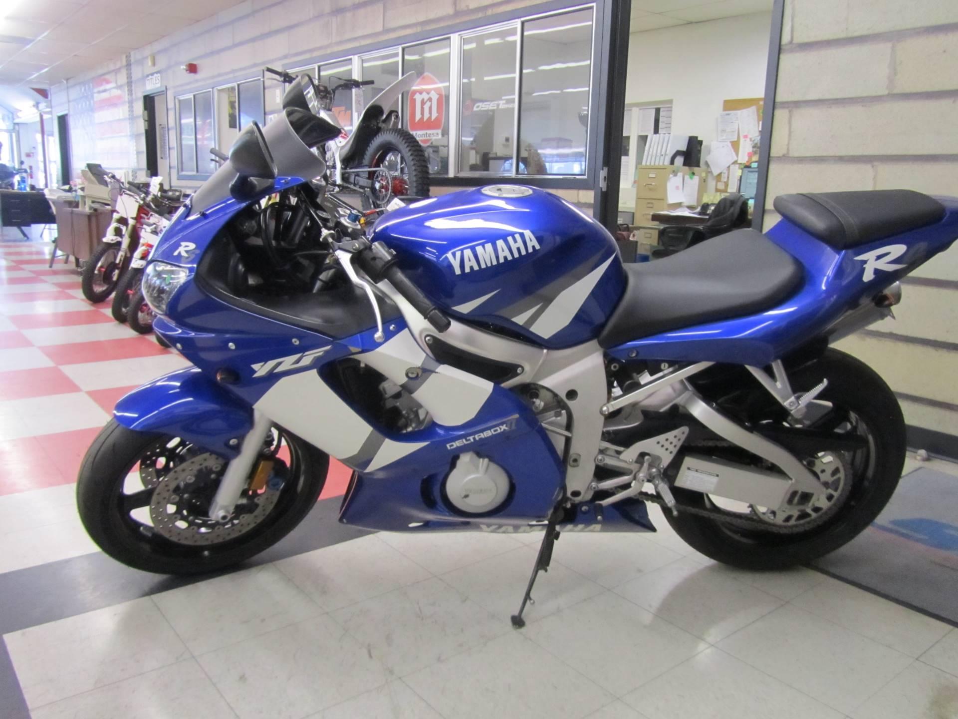 2002 Yamaha YZFR6 1